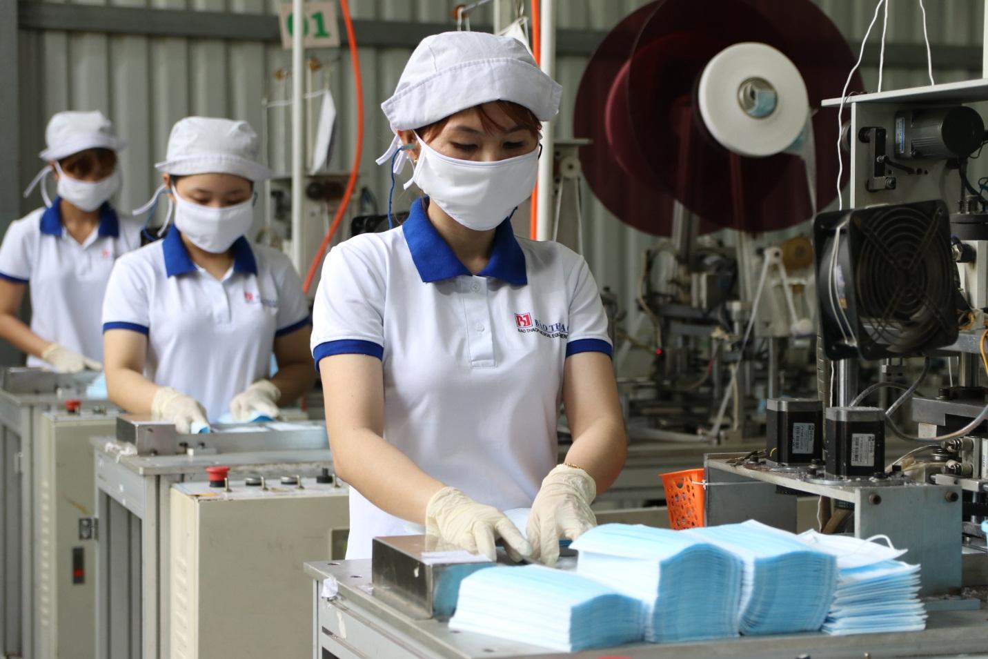 Sản xuất thiết bị y tế